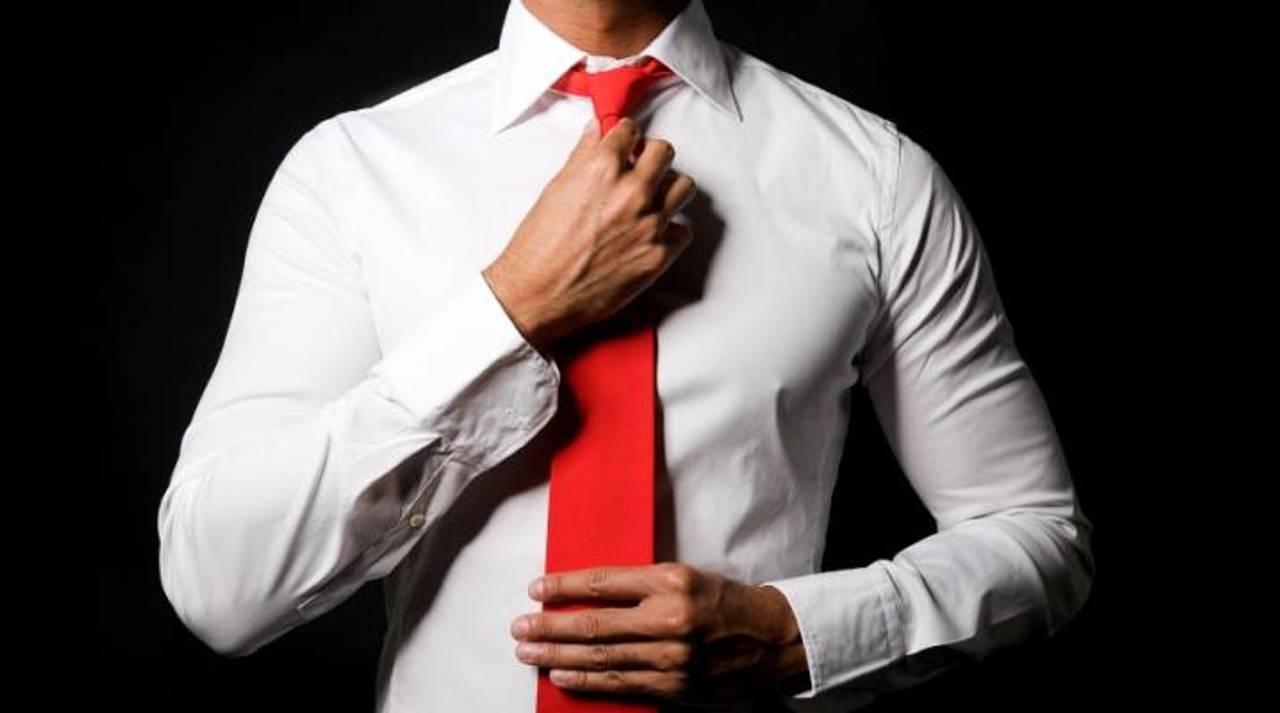 Дрес-код політиків: що означає червона краватка і гольф замість сорочки