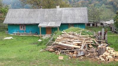 У цій хаті живе багатодітна родина Баранів разом з бабусею.