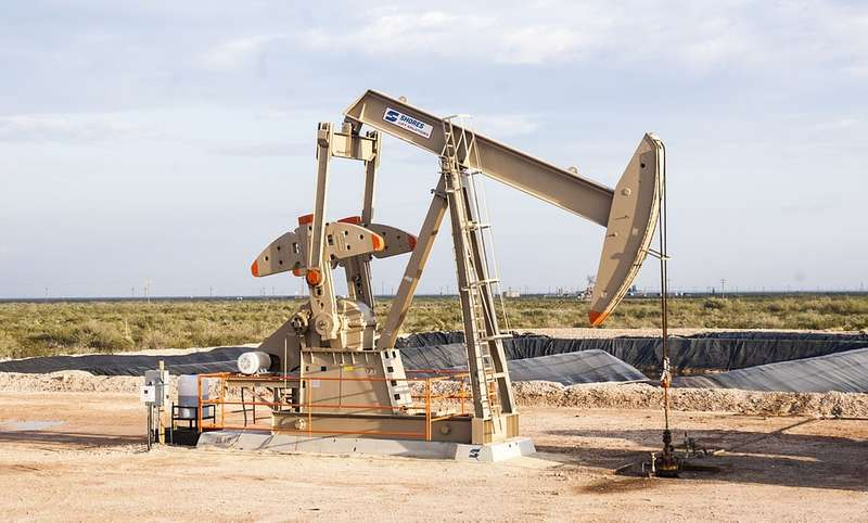 Заберіть, ми ще й доплатимо. Американська компанія пропонує безкоштовну нафту плюс бонус за вивезення
