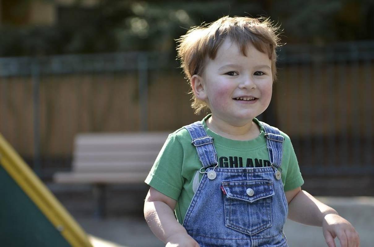 Вчені довели, дорослі також страждають аутизмом. Про особливості діагностики і перший тривожний дзвіночок