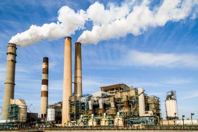 Новий антирекорд: промислове виробництво в Україні скоротилося майже на 17%