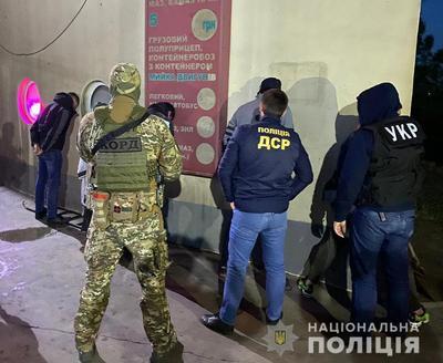 Поліція затримала іноземних кілерів, які намагалися вбити ватажка наркокартелю