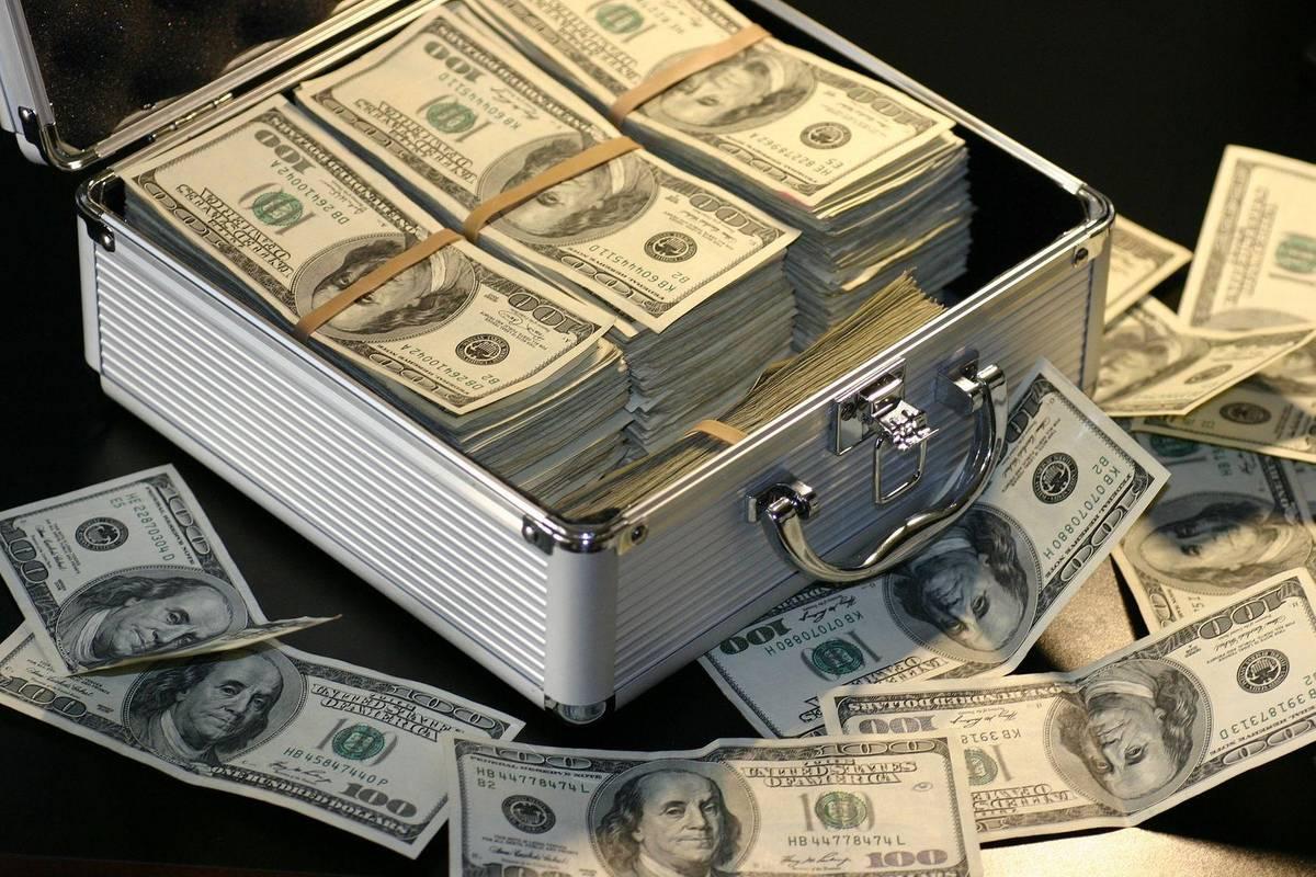 Товстосуми багатіють. Сукупні статки найзаможніших людей світу перевищили 10 трильйонів доларів