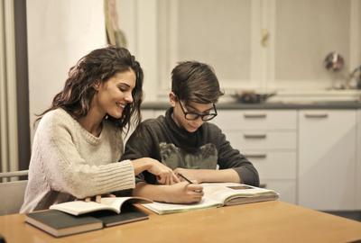 Читають впевненіше, а от говорити — складно. Українці посіли 44 місце у світі за знанням англійської мови