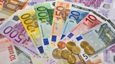 Більше 34 гривень. Євро в обмінниках рекордно подорожчало