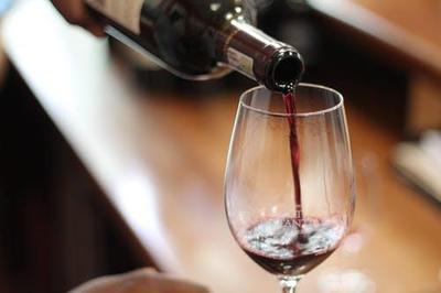 Шампанське подорожчає. Уряд підвищив мінімальні роздрібні ціни на ігристі вина