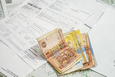 Ні субсидій, ні пільг, ні дитячих грошей. Українці скаржаться на затримку державних виплат