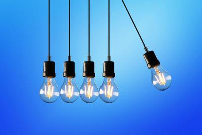 В Україні можливі віялові відключення світла: до чого готуватися населенню